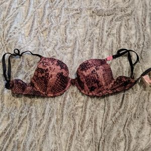 Brand new VS bra 32C
